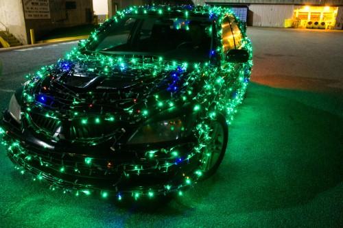 christmas-car-spreads-holiday-cheer-through-savannah--georgia_16000875_800662244_0_0_14042736_500