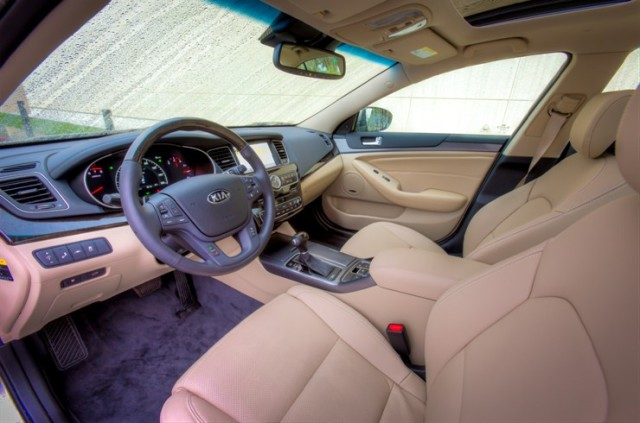 2014 Kia Cadenza interior   source: Kia Media