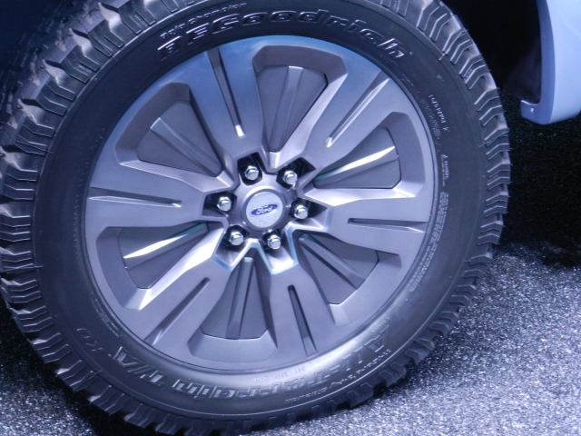 Ford Atlas Concept active wheel shutters - closed    source: AACS