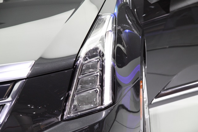 2014 Cadillac ELR Headlamps    source: Ingo Rautenberg