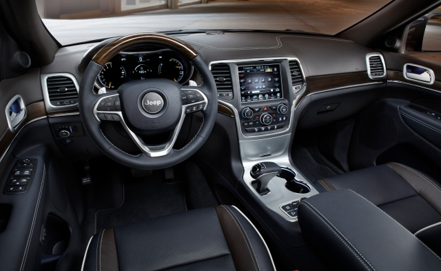 2014 Jeep Grand Cherokee interior    source: Chrysler