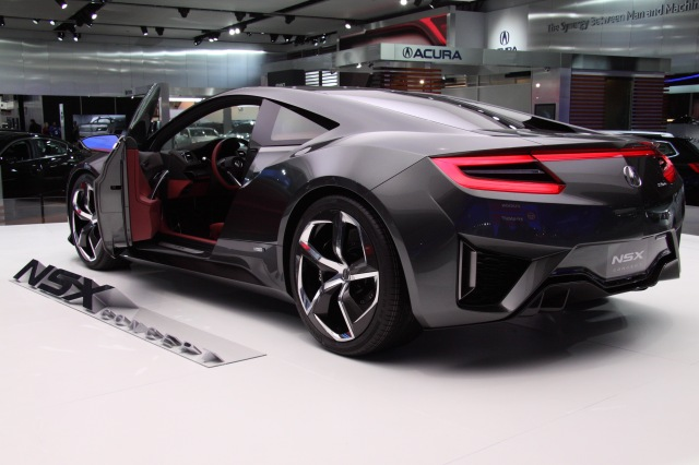 WORST BOOTH: Acura, the NSX was unveiled BEHIND the press    source: Ingo Rautenberg