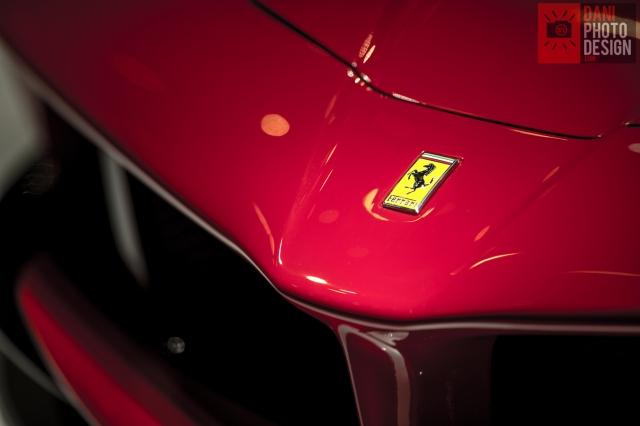 Ferrari LaFerrari    source: Daniele Madia