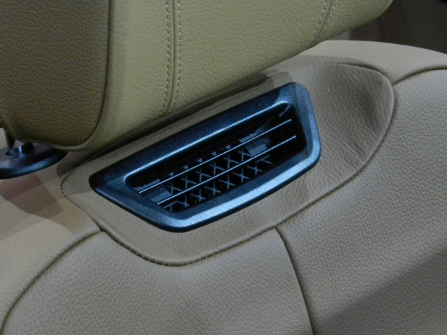 The 4-Series Convertible did feature my favorite interior design detail: Neck Warmers
