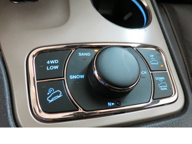 Jeep Grand Cherokee     Photo: Chrysler