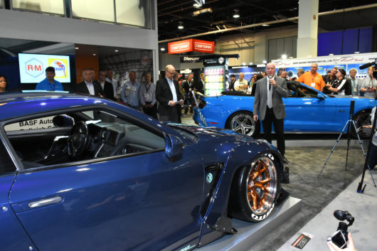basf-color-of-the-year_automotive-coatings_blue_phantasy-kolors-530x353